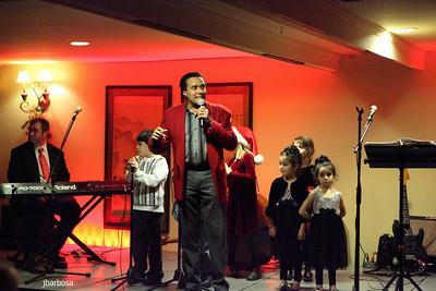 Arti Dixson Holiday Party-jlb-12-19-10-5204w