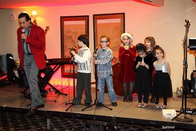Arti Dixson Holiday Party-jlb-12-19-10-5206w