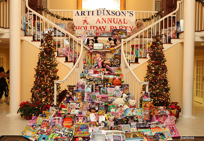 Arti Dixson Holiday Party-jlb-12-19-10-5227w