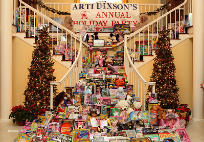 Arti Dixson Holiday Party-jlb-12-19-10-5226w