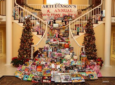 Arti Dixson Holiday Party-jlb-12-19-10-5229w y