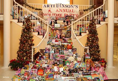 Arti Dixson Holiday Party-jlb-12-19-10-5225w