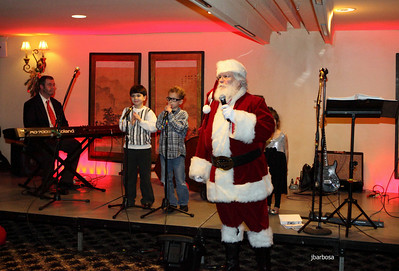 Arti Dixson Holiday Party-jlb-12-19-10-5210w