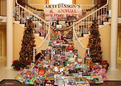 Arti Dixson Holiday Party-jlb-12-19-10-5228w y