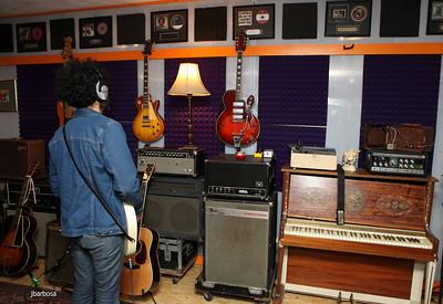 Dirt Floor Studios-jlb-2012-10-23-7438w