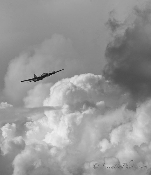 B-17 in Low Level Flight - Baltimore August 2014