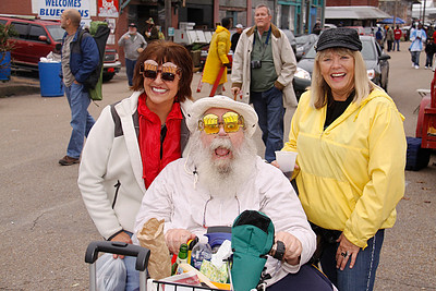 Frank Lee with  new-found friends on Cherry Street at the 2009 Arkansas Blues & Heritage Festival (formerly and later known as King Biscuit Blues Festival)