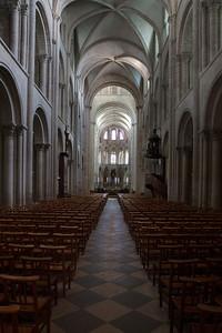 Caen Abbaye-aux-Hommes - Nave & Choir