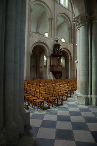 Caen Abbaye-aux-Hommes - Nave Arches