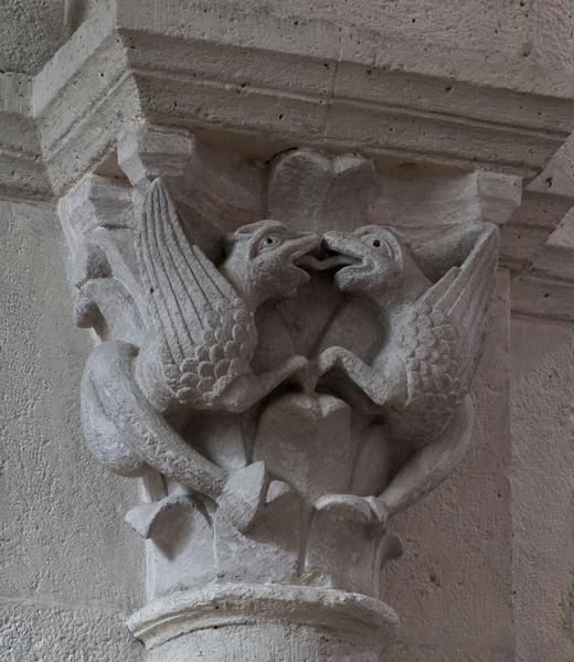 Saulieu Abbey of Saint-Androche Capital, Birds