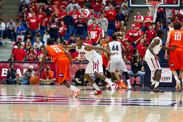 Kyle Fogg - 21 guarding Young. Arizona vs Clemson basketball 10Dec2011