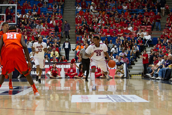Jordin Mayes - 20 , Jesse Perry - 33. Arizona vs Clemson basketball 10Dec2011