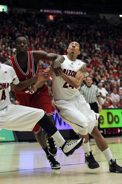 Brandon Lavender, Arizona vs NCSU bball 23Dec2009