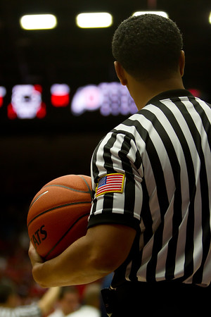Referee. Arizona vs Utah basketball 11Feb2012