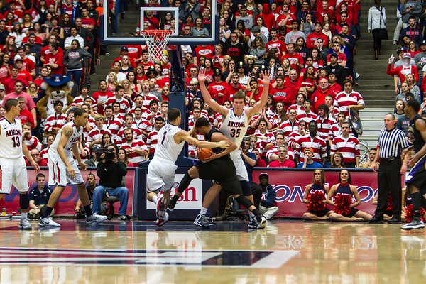 Brandon AShley (21), Gabe York (1), Keleb Tarczewski (35). Arizona vs Washington basketball 20Feb2013