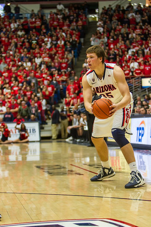 Kaleb Tarczewski (35). Arizona vs Washington basketball 20Feb2013