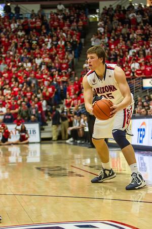 Kaleb Tarczewski (35). Arizona vs Washington basketball 20Feb2013