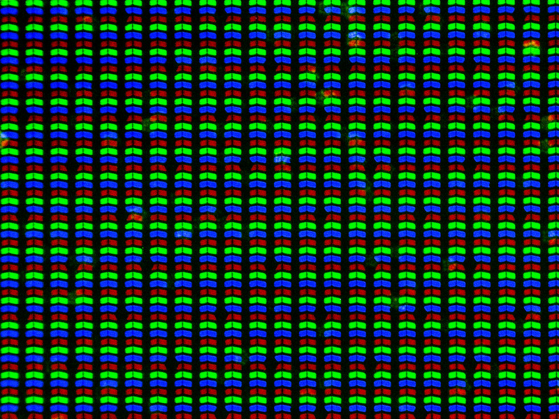 rgb screen pixels for white background on an iPhone 6 Plus at 200x Magnification