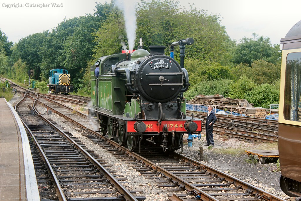 The N2 drops off the back of the train ready to shunt onto the train arriving from Ongar