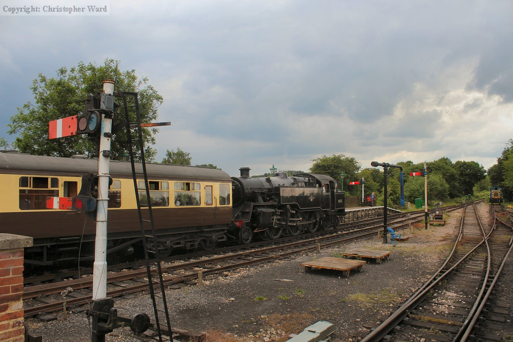 Storm clouds gather as 80072 waits time