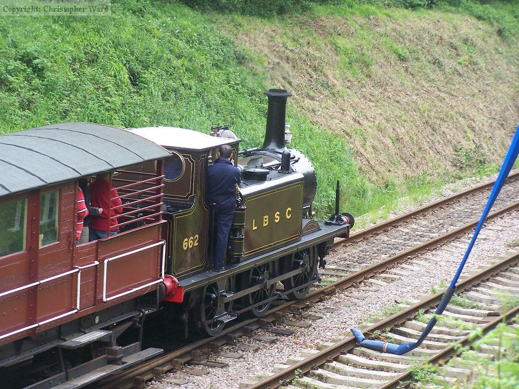 662 heads back to Isfield
