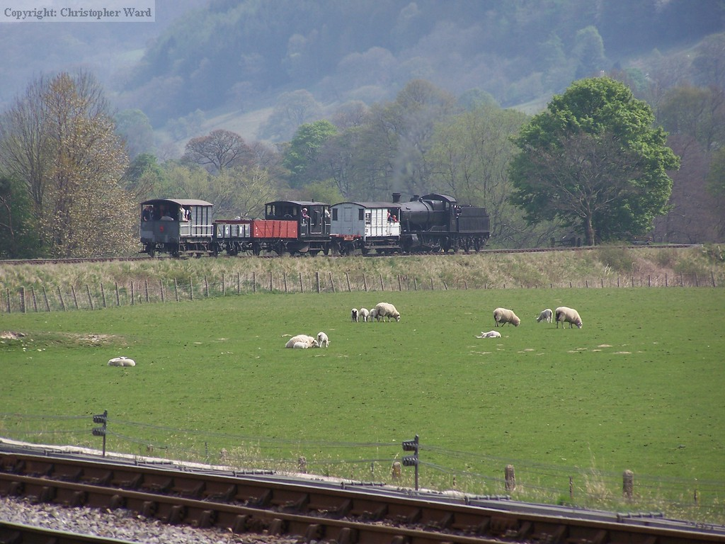 3802 leaves for Llangollen