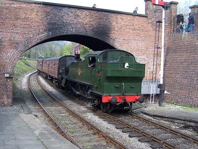 4160 arrives at Llangollen