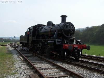 78019 runs round at Carrog
