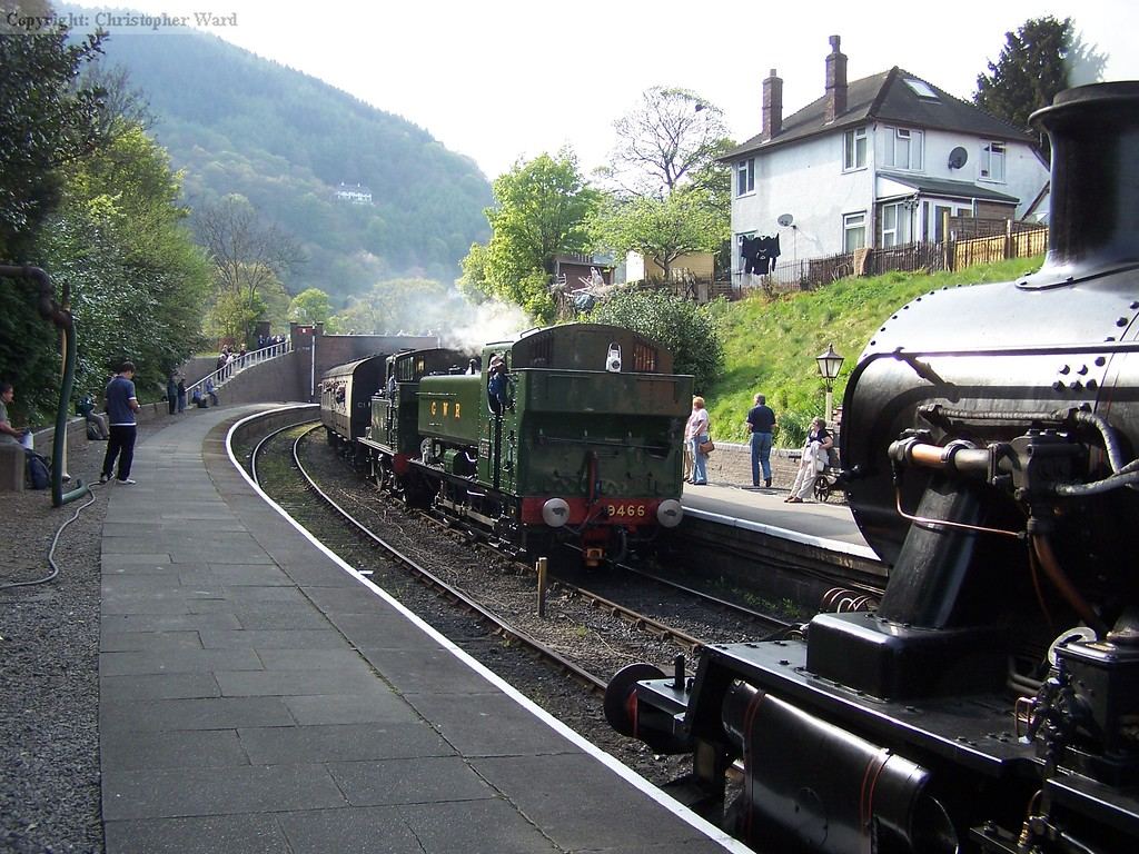 Two GWR tank engines arrive at Llangollen