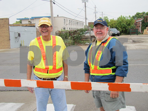 Ed O'Leary and Bill Griffel, volunteers for Applefest 5k/10k.