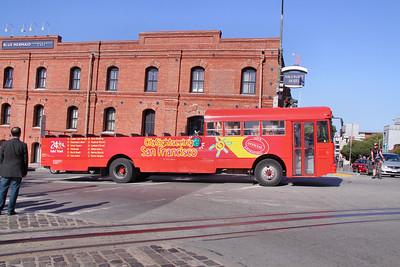Bus at Fishermans Wharf in San Francisco     21/06/10