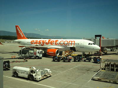 G-EZWL in Geneva Airport  11/06/14