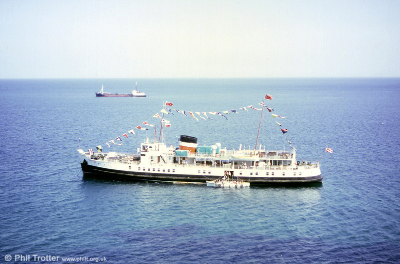Prince Ivanhoe was built as an Isle of Wight ferry named Shanklin and was the third of three sisters built by Dennys for British Railways after the war. After withdrawal from that work in 1980 was purchased by a Scottish concern called Firth of Clyde Steam Packet Co Ltd.