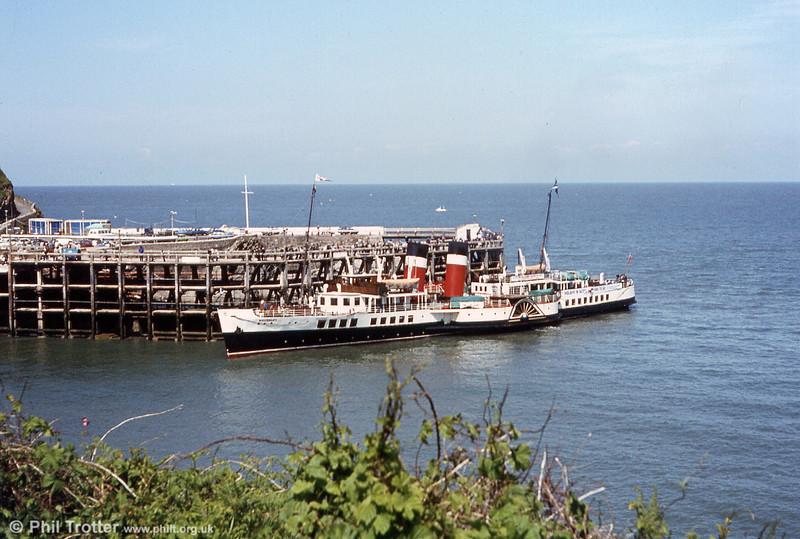 Waverley alongside the jetty at Ilfracombe.