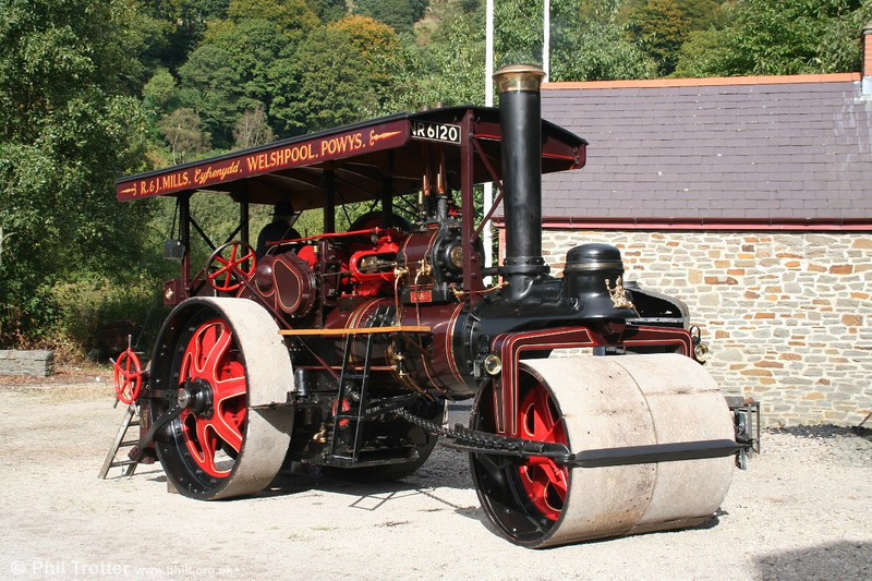 NR 6120 'Jane' Marshall S Type Roller no.79087/1925 at the Rhondda Heritage Park's steam day on 2nd October 2005.