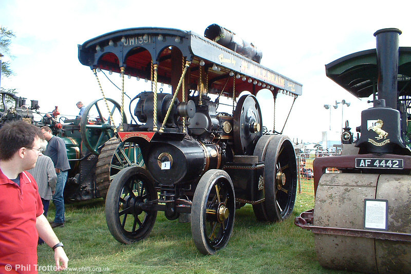 UW 1331 'Forest Maiden'. Fowler Showman's Tractor, built 1927. Found on a farm near Yeovil, it took 7 years to restore the engine which travels many miles to rallies each year. Three Cocks Vintage Rally, Hay on Wye, 14th August 2005.