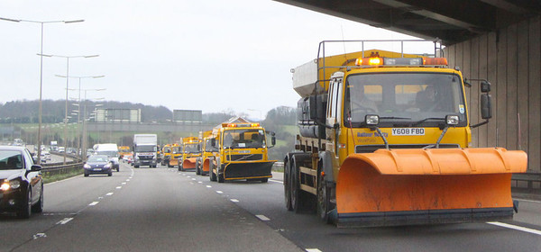 Snowplough Convoy on the M1  02/04/12