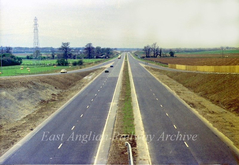 29th April 1979.  The view west from the Histon bound flyover towards Girton showing the road open to traffic. What is noticeable is that there is no central crash barrier.