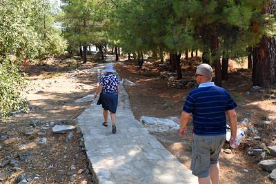 Alyki  - på väg till ett tempel och en helgedom från 700 f.Kr.