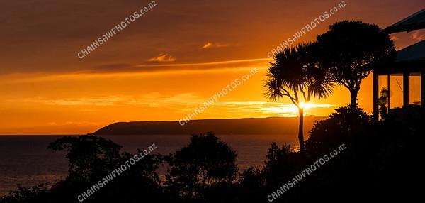 Sunset over Mana Island (1)