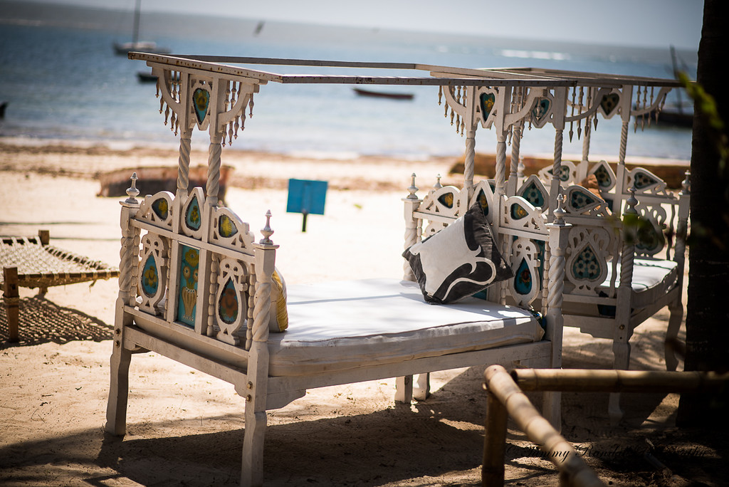Rent a bed by the beach