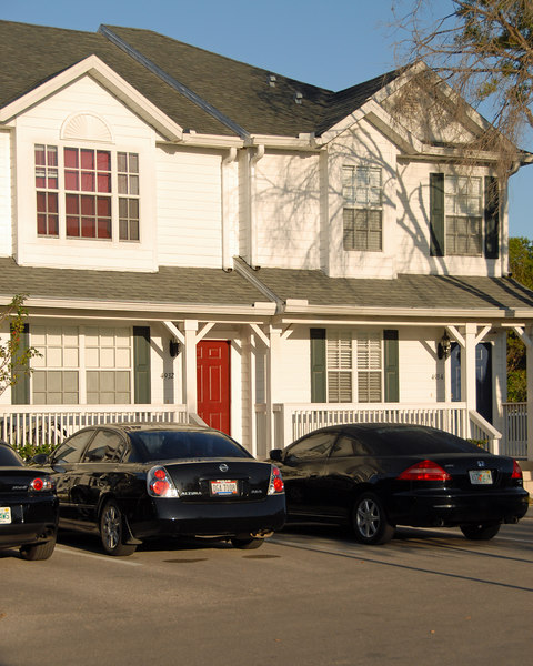 Another image of the 1st new townhomes to pop up on Interbay Blvd.