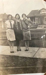 Goldie, Roberta and Verna Cates
