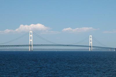Daytime photo of the bridge.