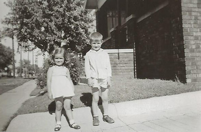 Jul1951_Linda and Tommy