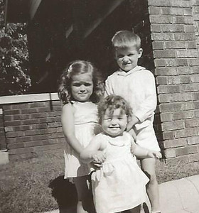 Jul1951_Linda, Tommy and Kathy