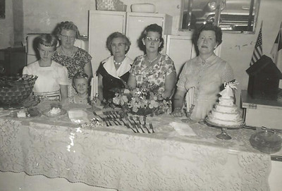 Sep1960_The Millers, Mrs Penick, Helen, Ruth Fraase_Helen Baked Cake for Mullen 50th