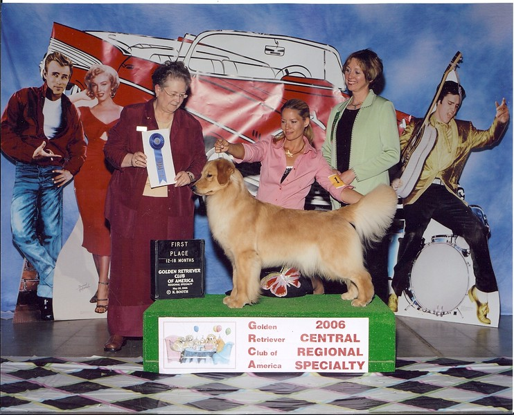 Tyra with Audra Snyder at the 2006 Central Regional Specialty