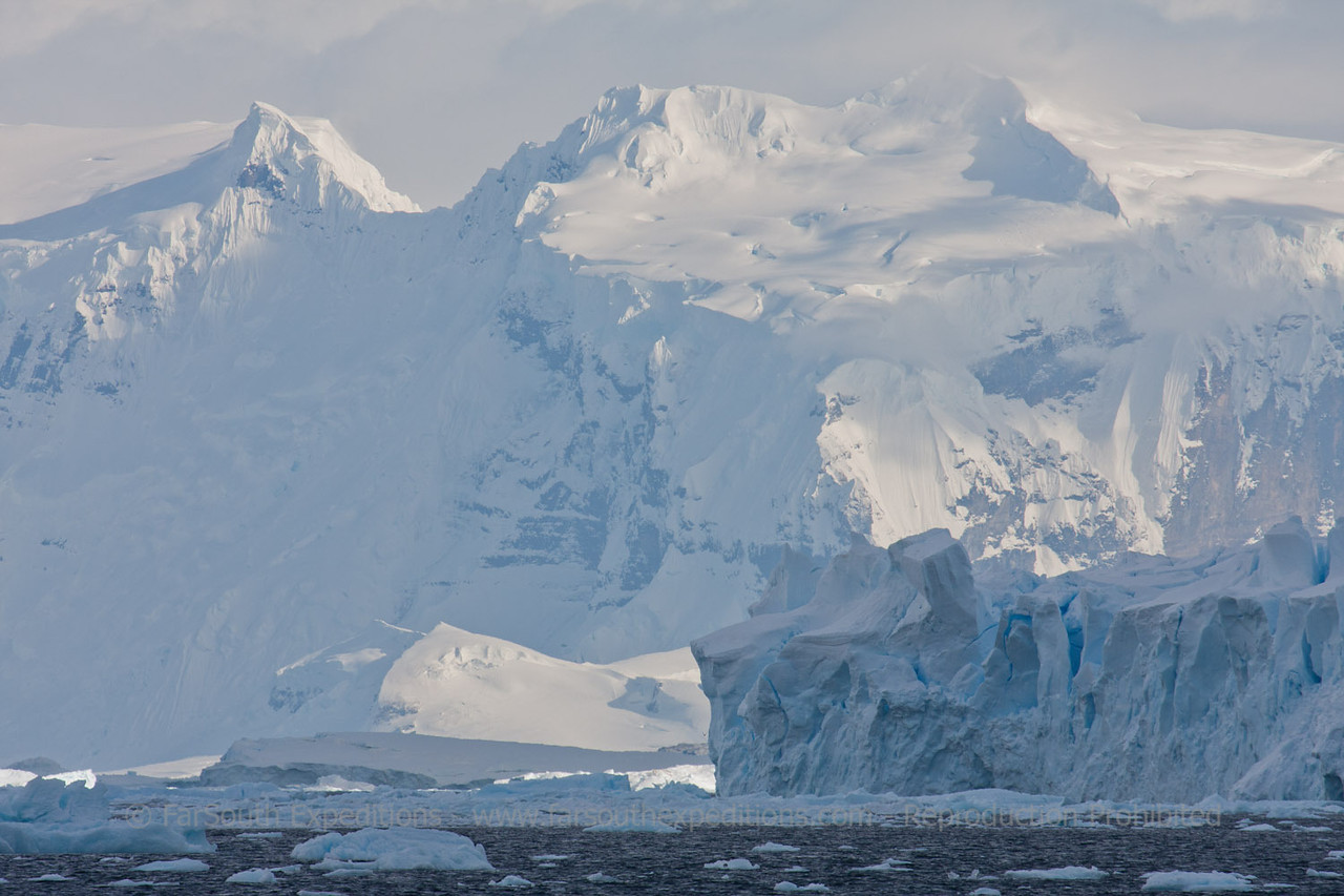 "Western Antarctic Peninsula © Claudio F. Vidal, FS Expeditions -  <a href=""http://www.fsexpeditions.com"">http://www.fsexpeditions.com</a>"