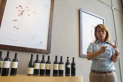 Carolina Macaya introducing the fabulous red wines of Viña Cobos, San Lujan de Cuyo, Mendoza, Argentina © Claudio F. Vidal, Far South Expeditions